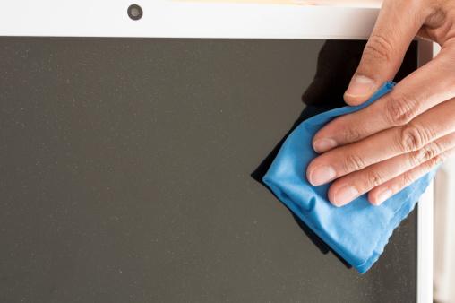 איך לנקות מסך LCD?