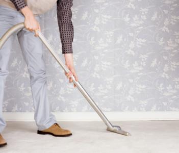איך מנקים שטיח שאגי?
